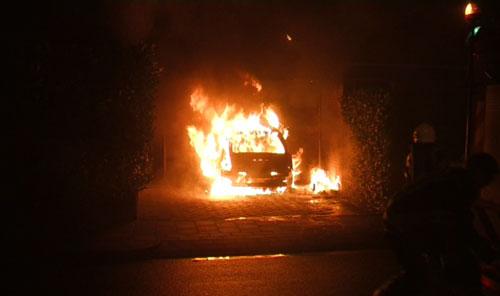 Autobrand aan Rienderstein in Ede