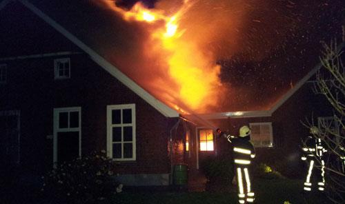 Brand verwoest boerderij Breedenbroek