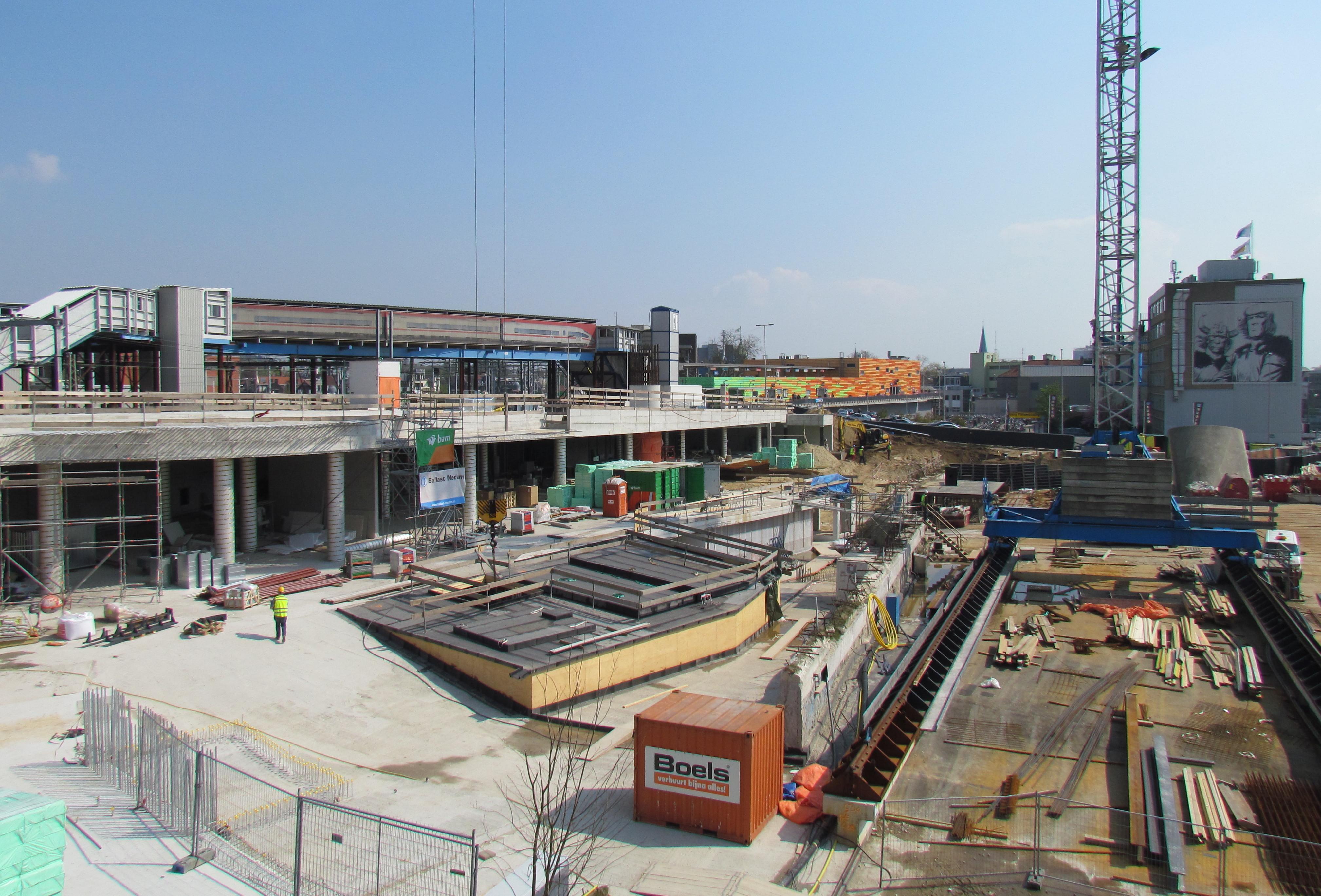 Arnhemmers kunnen na 18 jaar weer door stationshal lopen het station door de eeuwen heen - Hal ingang ontwerp ...