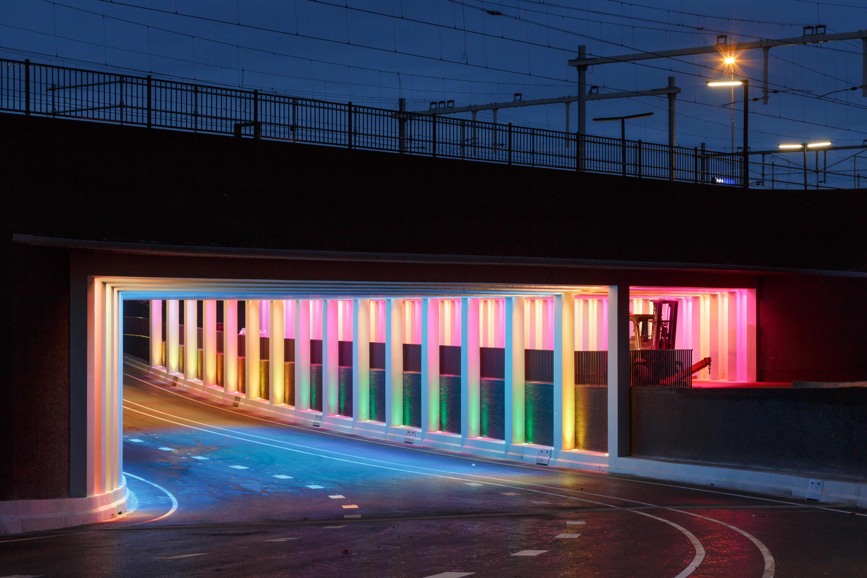 Gekleurde tunnels Zutphen geopend - Omroep Gelderland