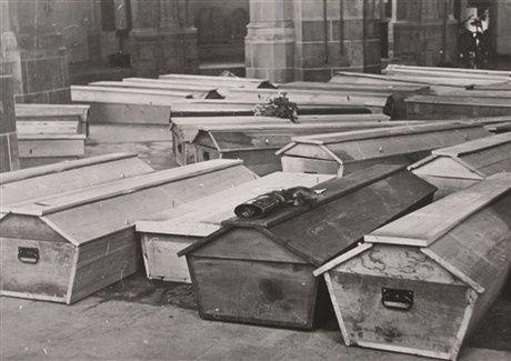 Kisten in de Walburgiskerk -Stedelijk Museum Zutphen