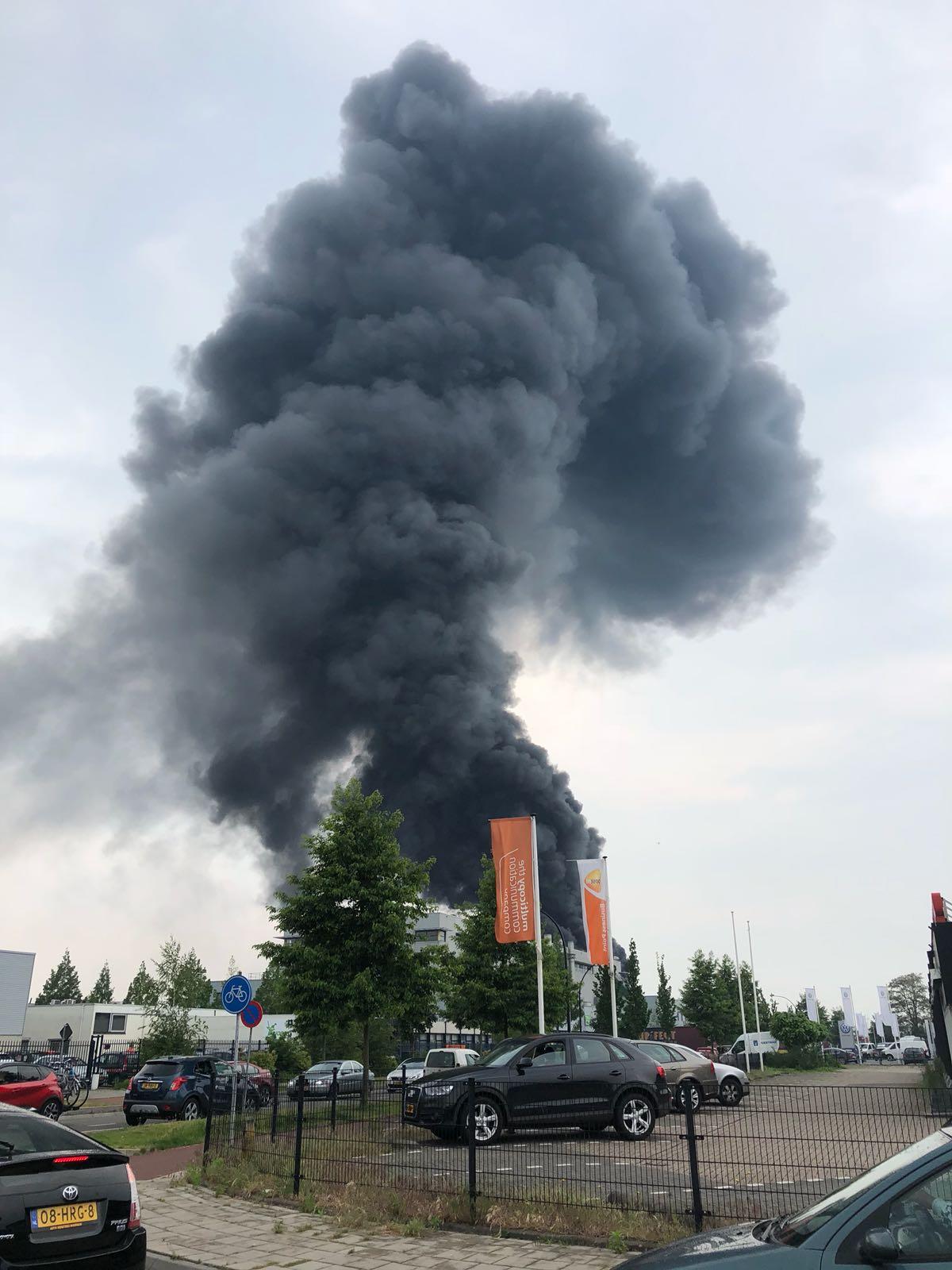 VIDEO: Brand Harderwijk onder controle; geen gewonden - Omroep Gelderland
