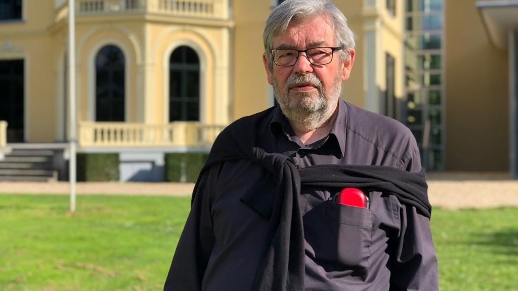 Header van Op Oorlogspad met Maarten van Rossem